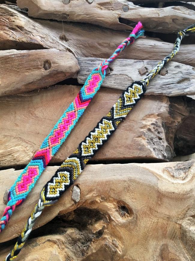 Pulsera Tribal de la Amistad Negra y Dorada, pulsera tejida, pulsera negra y dorada, pulsera festival, pulsera verano, pulsera coachella, pulsera tribal nativa india