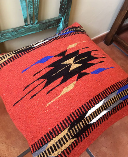 Funda de cojin Tribal Tejida a Mano Mojave, cojin indio, cojin nativo americano, cojin motivos aztecas, cojin motivos navajos, cojin dibujo tribal, cojin tejido a mano, cojin artesanal