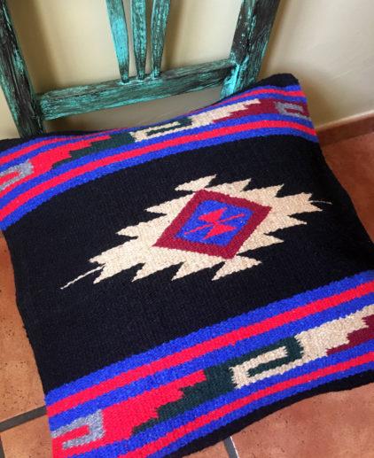Funda de cojin Tribal Tejida a Mano Cheyenne, cojin indio, cojin nativo americano, cojin motivos aztecas, cojin motivos navajos, cojin dibujo tribal, cojin tejido a mano, cojin artesanal