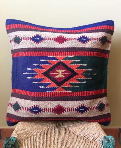 Funda de cojin Tribal Tejida a Mano Zuni, cojin indio, cojin nativo americano, cojin motivos aztecas, cojin motivos navajos, cojin dibujo tribal, cojin tejido a mano, cojin artesanal