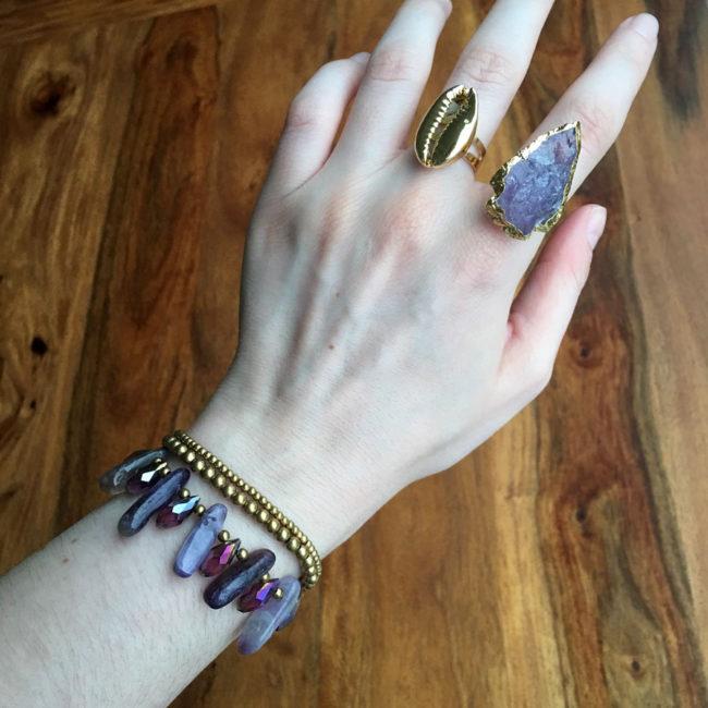 Pulsera de Amatista y Crochet Maricopa, pulsera de amatista gypsy, pulsera crochet boho, pulsera estilo boho, pulsera morada, pulsera piedras, pulsera piedras naturales