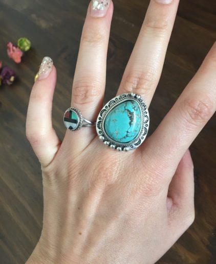 Anillo Piedra en Turquesa The Canyon, anillo nativo americano, anillo turquesa, anillo nuevo mexico, anillo suroeste americano, anillo bohochic, moda bohochic, moda festival, estilo navajo, joyería navajo, joyería cherokee, joyería apache, joyas de plata turquesa indias, joyas country, joyas western, anillo country