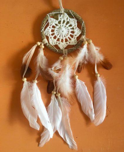 Atrapasueños de Crochet Angel Wings, atrapasueños blanco, atrapasueños bohochic, atrapasueños bohemio, atrapasueños country, estilo bohemio