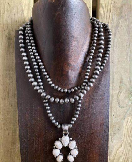 Collar Perlas Navajo y Naja Marfil New México
